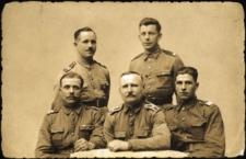 Fotografia grupowa kresowych żołnierzy.